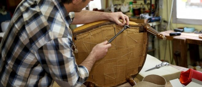 Izmest vai saglabāt un atjaunot – mēbeļu restaurators par vēstures mantojumiem