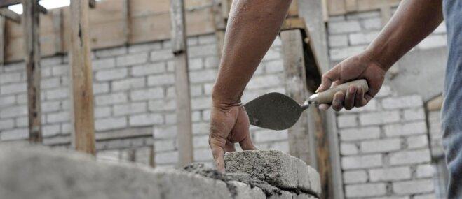 Zeme iegādāta – ko tālāk? Arhitekts par darbu secību mājas būvniecībā