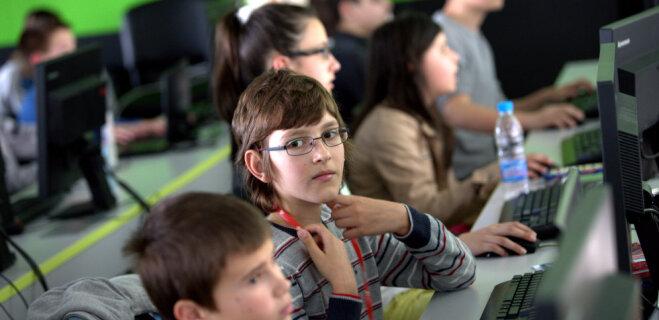 Здравствуй, Datorika! Что родителям школьников надо знать о новом обязательном предмете