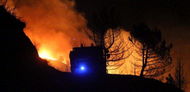 Впервые в Латвии? Семья лишилась дома из-за загоревшегося мобильного телефона