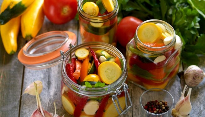 Заготовки на зиму своими руками: огурцы, помидоры, капуста, кабачки, варенье и настойки