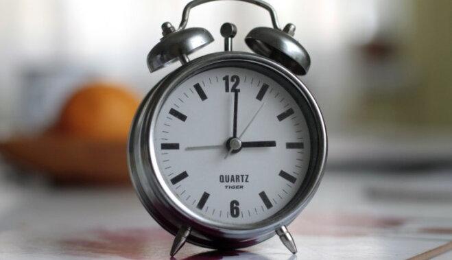 Naktī uz 1. jūliju visu datoru pulksteņi rādīs 23:59:60, gaidāmas problēmas