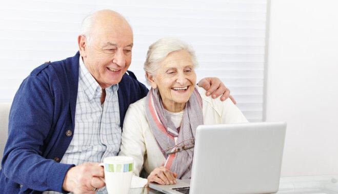 Datoru un internetu lieto jau vairāk nekā puse Latvijas senioru
