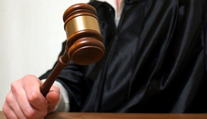 """Владельцы """"айфонов"""", заблокированных Apple из-за """"неофициального"""" ремонта, подадут в суд"""
