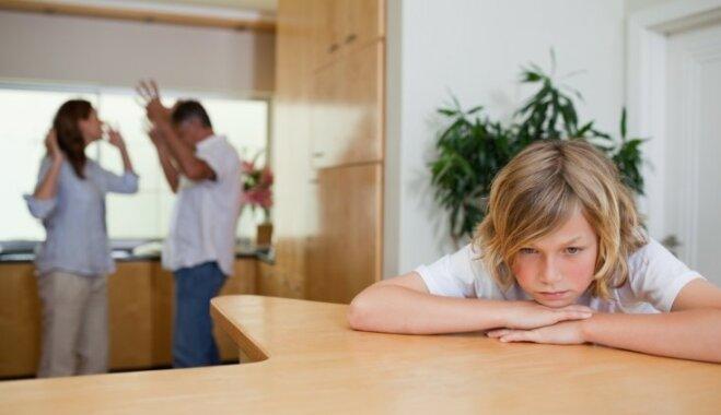 Psihologi nosauc astoņus mītus par ģimenēm, kuri gandē dzīvi veselām paaudzēm