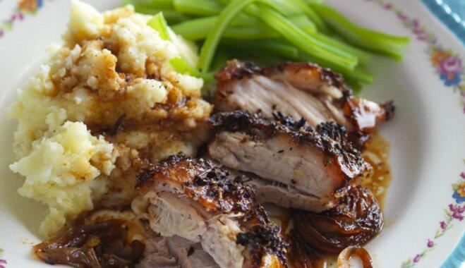 Cūkgaļas cepetis ar kartupeļu biezputru un pupiņām