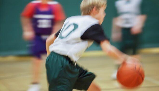 Stereotipu varā: kā ir būt zēnam, kuram nepadodas sports