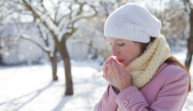 Speciālista ieteikumi, kā pasargāt sevi no apsaldējumiem aukstajā laikā