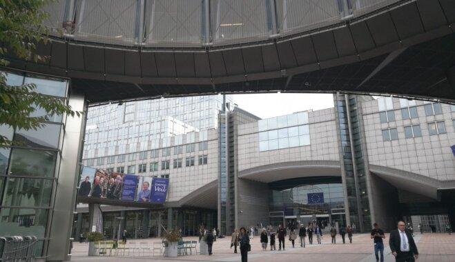 Tūristu skaits Eiropā 2025. gadā varētu pārsniegt miljardu; draudus rada digitālās platformas un konkurence