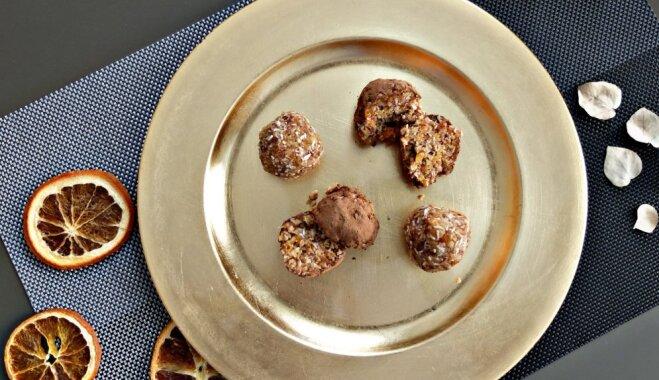 Веганские конфеты с орехами, курагой, кокосом и апельсином