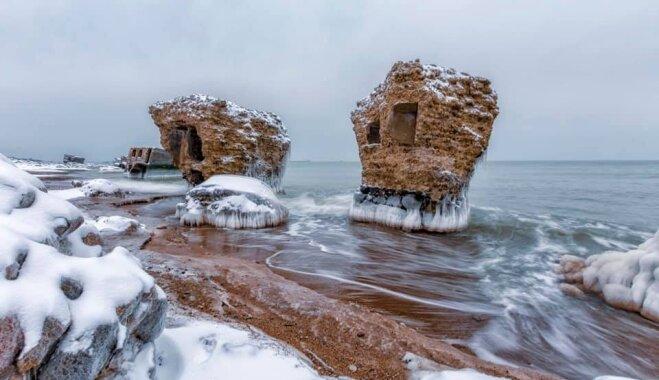 Iespaidīgi kadri: Ziemeļu forti ziemas spelgonī
