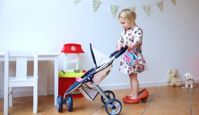 Trīs interesantas spēles, kas istabas kārtošanu bērnam padarīs par jautru nodarbi