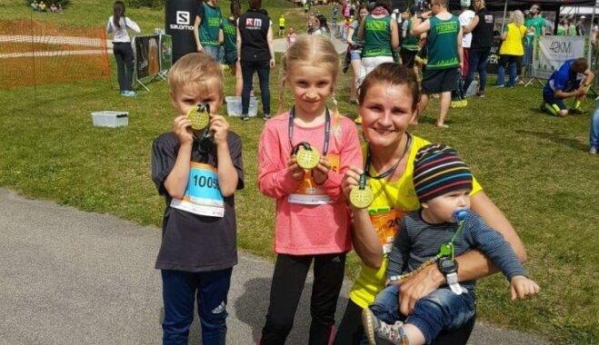 Trīs bērni un slimība nav šķērslis: Irēna no Latvijas cer doties uz Polāro loku