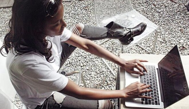Пользователи соцсетей спорят, может ли модель быть профессиональным программистом