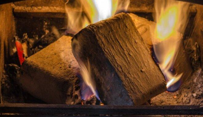 Почему топливные брикеты лучше дров — и как выбрать самые качественные