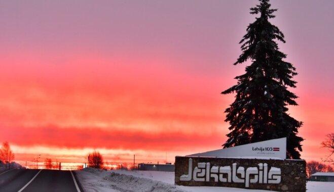 Krāšņi foto: Fantastisks saullēkts Jēkabpilī