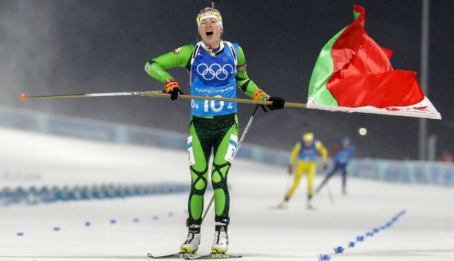 Белорусские биатлонистки выиграли олимпийскую эстафету, Домрачева вошла в историю