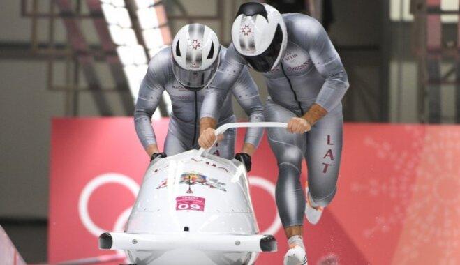 Бобслеисты Мелбардис и Стренга принесли Латвии первую медаль на Олимпиаде-2018