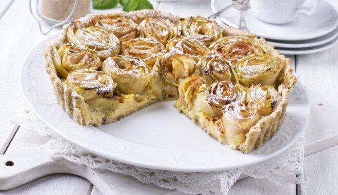 Plātsmaizes un pīrāgi – lērums ābolkūku recepšu atvasaras baudīšanai