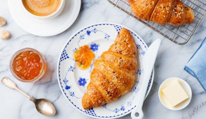 Brīvdienu garša: 12 receptes, kas ļaus izbaudīt brokastis franču gaumē