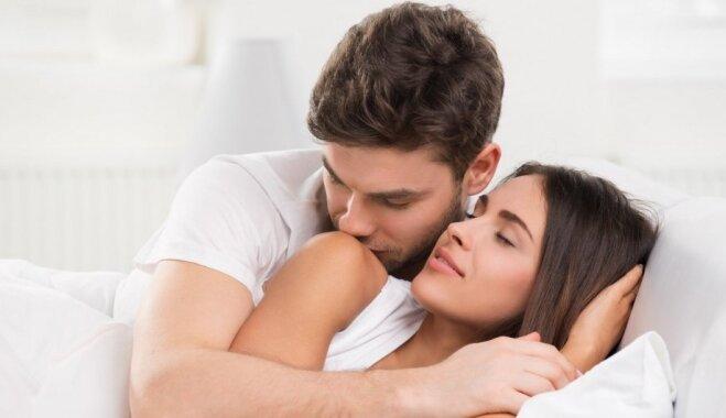 Муж с женой пригласили мальчика для секса