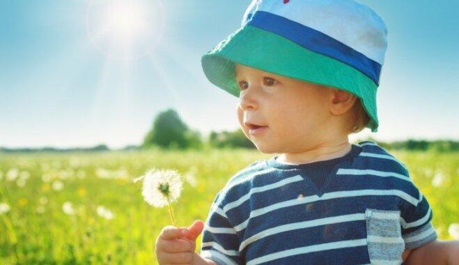 Bērns pārkarsis saulē: kā to pamanīt un ieteicamā rīcība