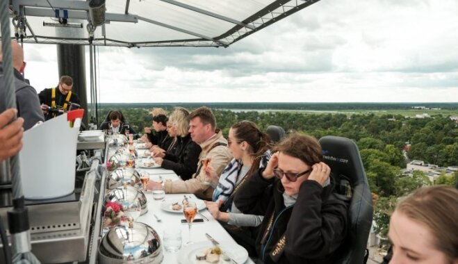 Vadošais Somijas šefpavārs: 'Dinner in the Sky' ainavas ir izaicinājums ēdienkartei!