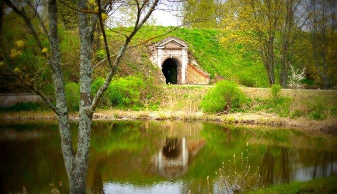 Unikālais Daugavgrīvas cietoksnis: ideja brīvdienu pārgājienam