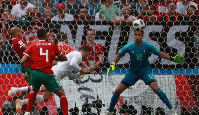 Ronaldu ar kārtējo rekordu nodrošina Portugālei pirmo uzvaru