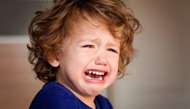 Paņēmieni bērna nomierināšanai, nesagaidot histērijas sarīkošanu