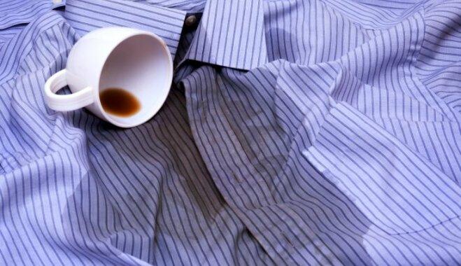 Uz krūzītes, krekla vai mēbelēm: kā veikli likvidēt izlijušas kafijas pēdas