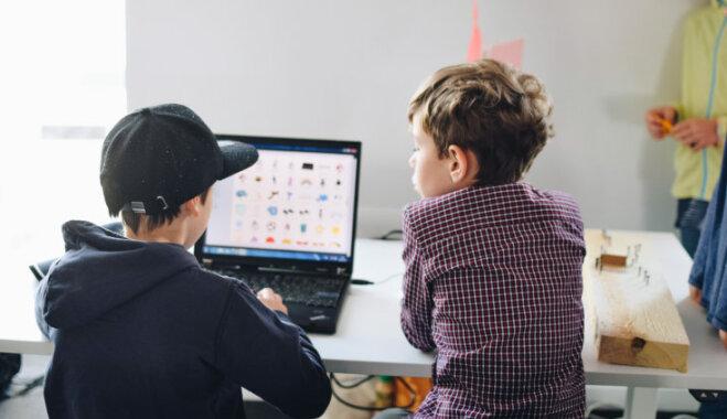 Bērnus un vecākus aicina bez maksas apgūt programmēšanas pamatus