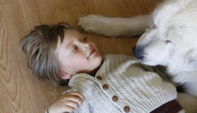 Mavrikam – puisēnam ar autismu – nepieciešams sabiedrības atbalsts reitterapijas nodrošināšanai