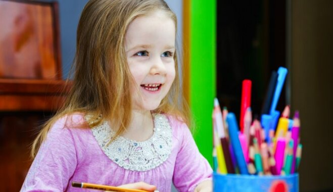 Galvas lauzīšana pirms 1. septembra: kas jāpērk pašiem un ar ko jānodrošina skolai
