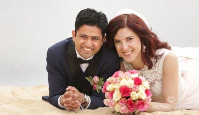 Apprecēties gan Indijā, gan Latvijā: Tatjanas un Gaurava tradīcijām bagātais stāsts