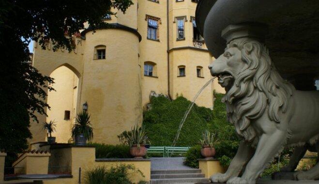 Īsta pasaku pils: Bavārijas karaliskās ģimenes vasaras rezidence Hoenšvangavā