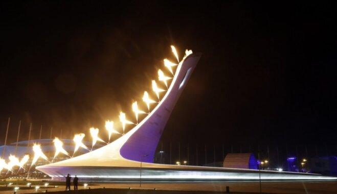 Soči 2014: Iedegta XXII Ziemas olimpisko spēļu uguns
