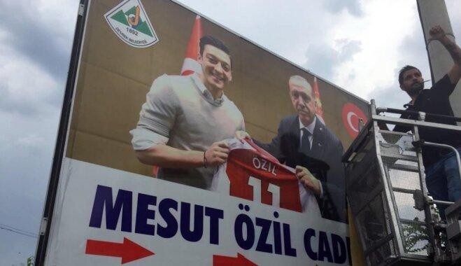 Erdogans atbalsta Ezila lēmumu beigt karjeru Vācijas izlasē
