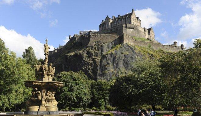 Они стоят, сэр: 18 сказочных британских замков, которые можно посетить (ФОТО)