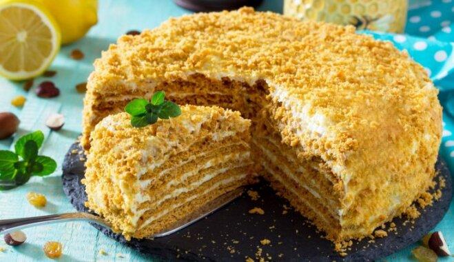 Ko ēdīsim novembrī? 30 latviešiem mīļas receptes katrai patriotiskā mēneša dienai