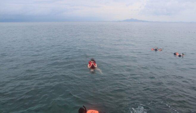 Ceļojuma stāsts: Latviešu pāris uz jahtas iekļūst milzu vētrā Taizemē