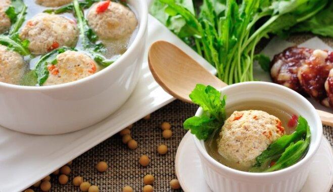 Sezonas produkts – ganu plikstiņš: ieteikumi, kā veselīgo nezāli iekļaut ēdienkartē