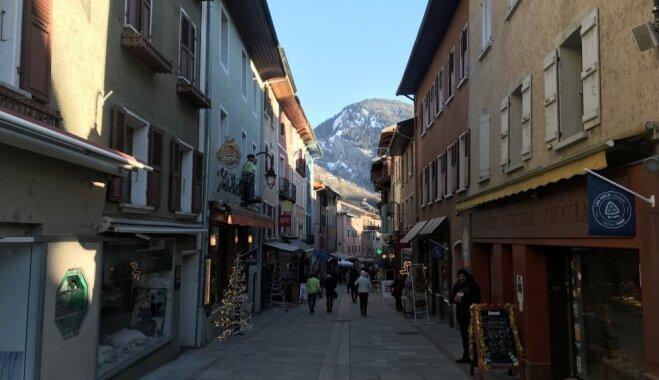 Kalni, siera rituļi un ziemas pasaka: īss ceļojums uz Francijas Alpiem