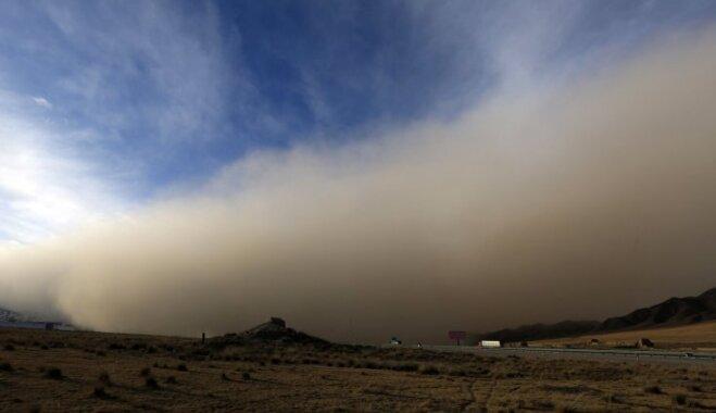 ФОТО, ВИДЕО. Апокалипсис сегодня: В Китае стена из песка полностью поглотила город