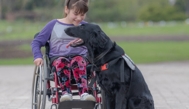 Draugs īpašam bērnam: Katrīnas suns Grēta, kas sniedz tik vajadzīgo pašpārliecību