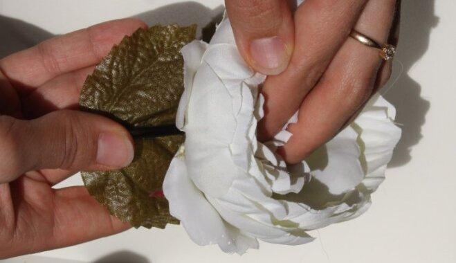 Soli pa solim: kā pagatavot krāšņu mākslīgo ziedu galvas rotu