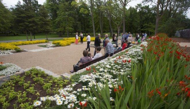 Liepājā atjaunots vēsturiskais Jūrmalas parka akmensdārzs