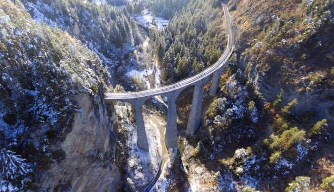 Gleznains viadukts Šveicē, kur ļauties nesteidzīgam braucienam ar vilcienu