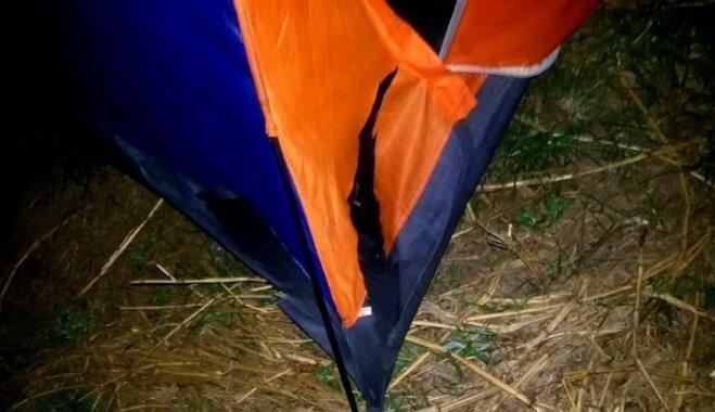 Ķibele ar telti un spraiga nakts autoostā: Laines un Artura piedzīvojumi Laosā