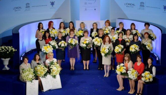 Svinīgā ceremonijā apbalvotas Latvijas izcilākās sievietes - zinātnieces